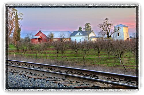 sunset nikon trains chico hdr d300 chicoca 18200vr