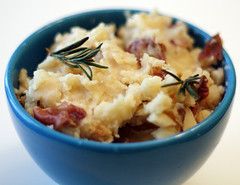 slow cooked rosemary garlic mashed potatoes | by rachel is coconut&lime