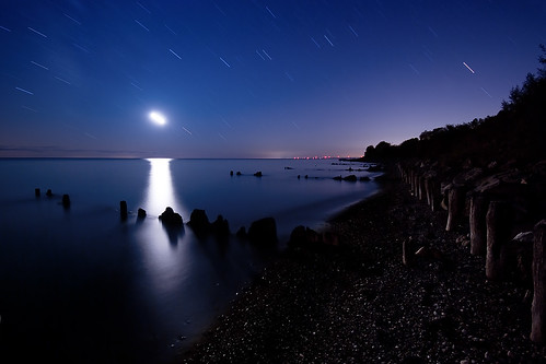 longexposure nightphotography moon ontario beach night lakeerie greatlakes nightshots startrails sigma1020mm erieau southwestontario bobwest k10d