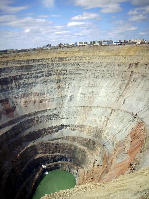 Diamond mine Mir