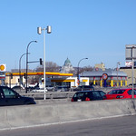 Shell Stations in Montreal: Décarie Boulevard at Paré Street.