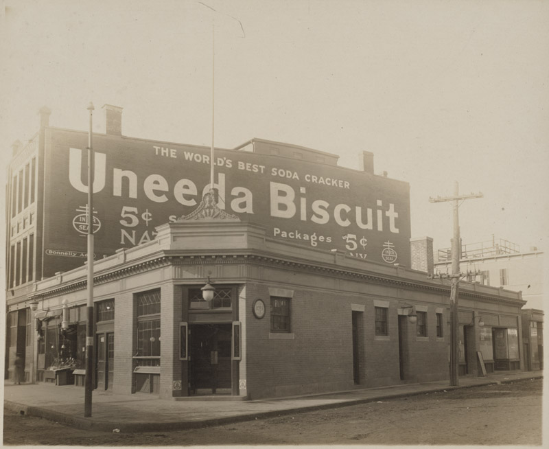 McGreevey's saloon, Third Base, 940 Columbus Avenue