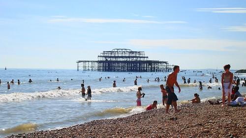Brighton burnt Pier   by lilivanili