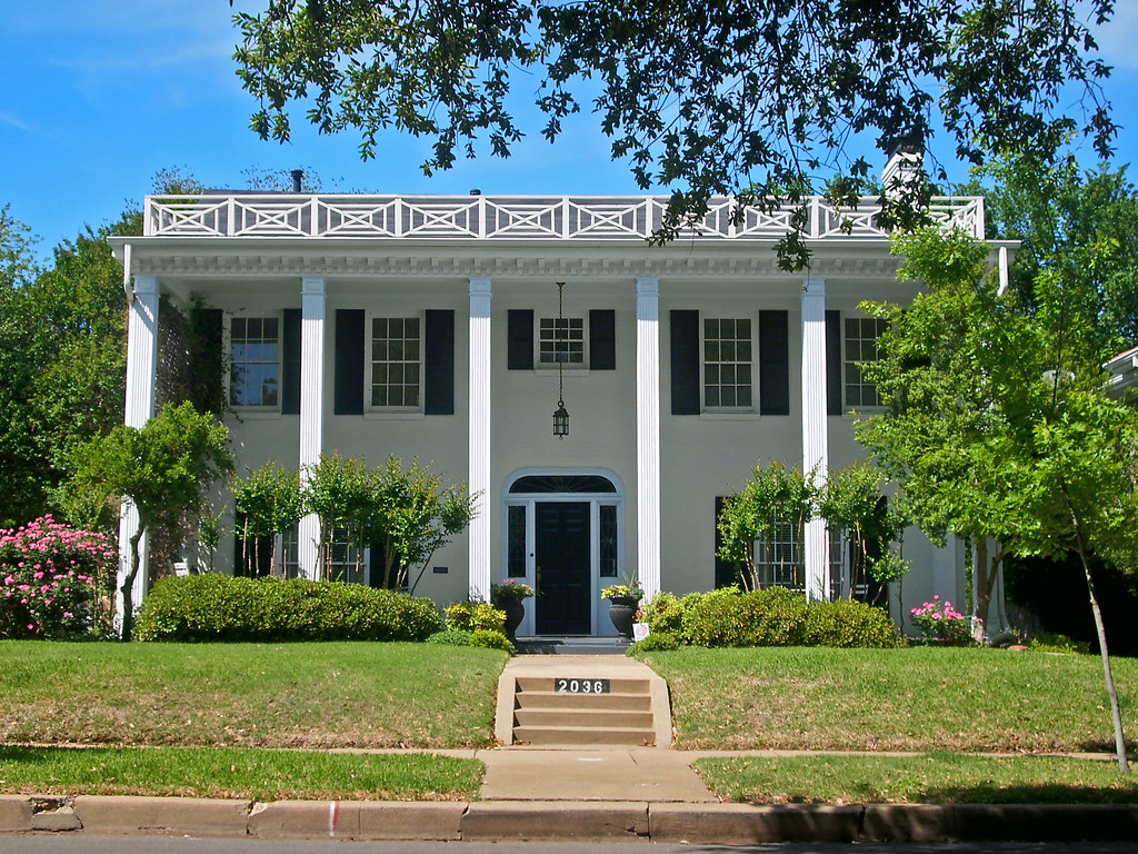 Southern Colonial Style House, Berkeley Place | House was ...
