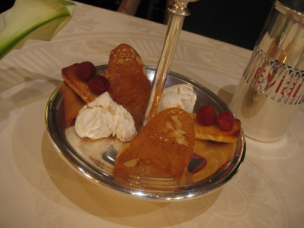 Before the dessert, Pergolèse