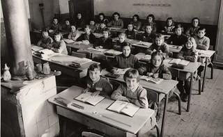 1958-1959 Ecole de filles d'Orgelet - Classe de Mme Girard