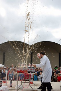 Fun with Diet Coke and Mentos   by autowitch