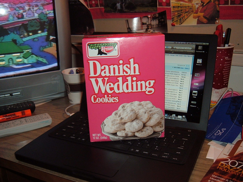 Danish Wedding Cookies.Keebler Danish Wedding Cookies The Packaging Hasn T Change Flickr