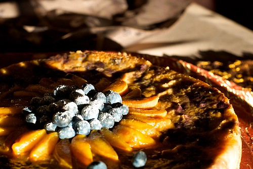 california wedding food cake fruit weddingcake delicious foodporn reception peaches sunsetlight blueberries ★★★★★