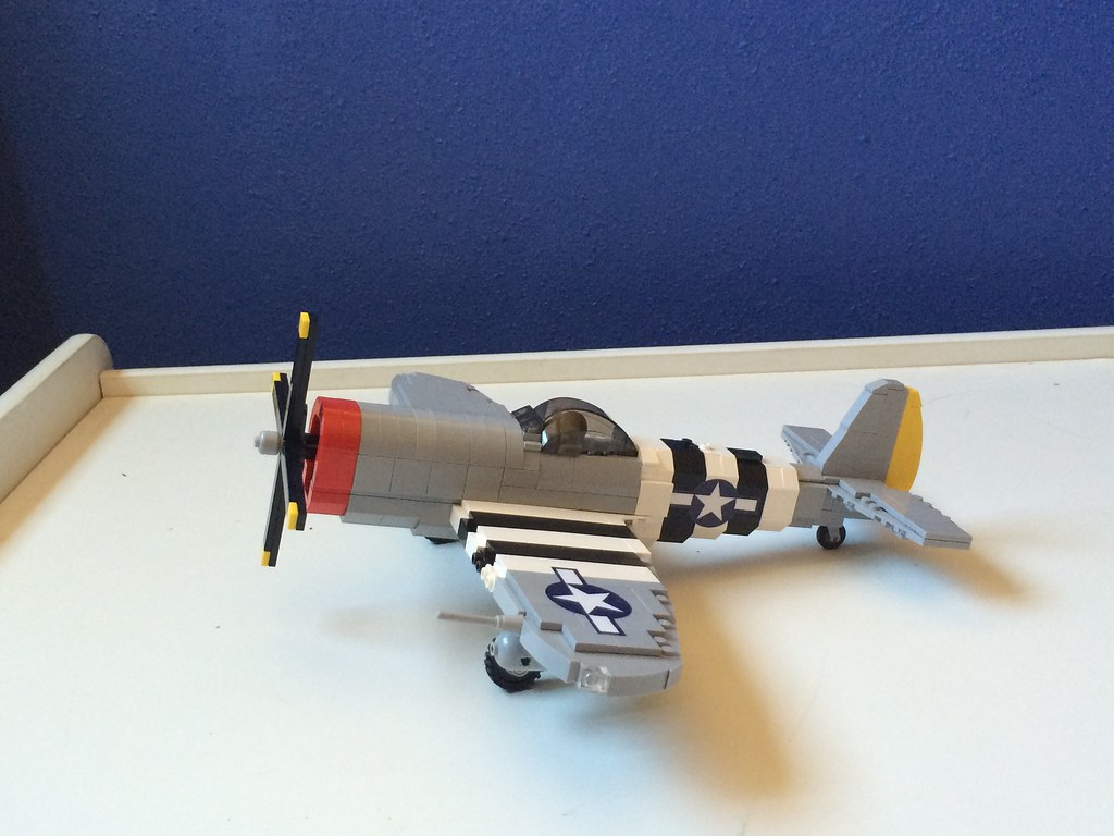 Brickmania P-47 Thunderbolt | This plane is huge! It's one o