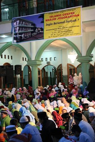 Buka Puasa Di Masjid Jogokariyan Kampoeng Ramadhan Jogokar Flickr