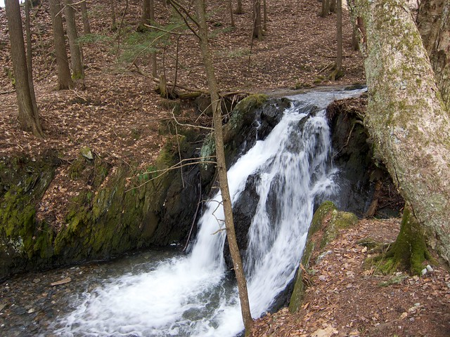0:16:29 (47%): waterfall vermont hiking fairlee glenfalls glenfallsbrook