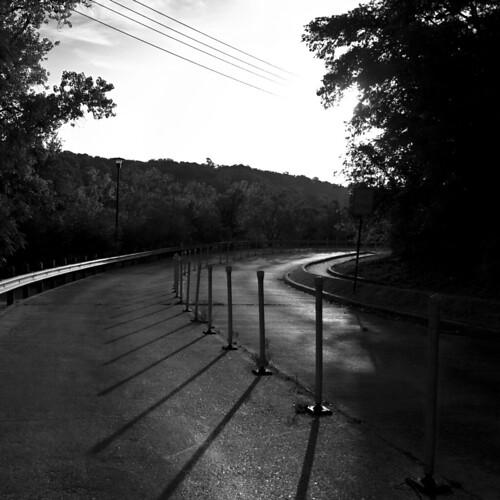 bw sunrise d50 morninglight shadows tsu texasstateuniversity txstate 50mmf18af lightonsurfaces