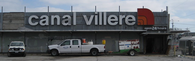 Canal Villere, Closed 24 Hours