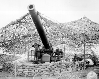 Front view of 240mm howitzer