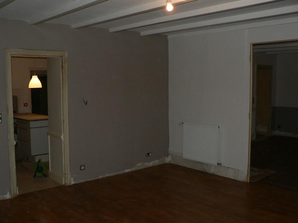 la salle à manger, 3 murs gris clair, 1 mur taupe | Marie ...
