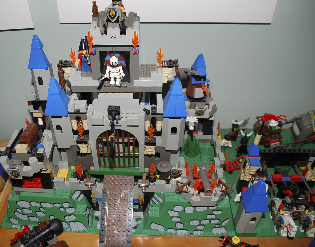 Lego Castle The Majority Of This Lego Came From The Knight Flickr