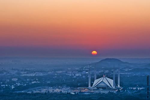 pakistan sunset sky sun colors mosque soe islamabad a300 faisalmosque supershot abigfave theunforgettablepictures newacademy theperfectphotographer dslra300 damniwishidtakenthat