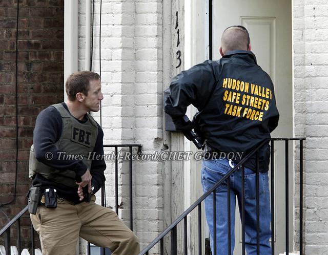 Pre-Dawn Gang Raids  Newburgh, NY 13•May•10 | An FBI agent (… | Flickr