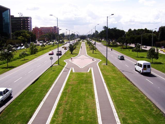 Avenida El Dorado. Bogotá, Colombia