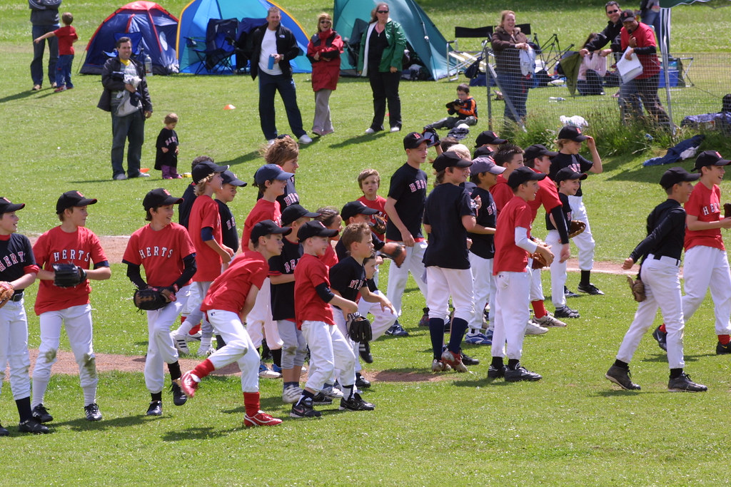 Herts Baseball Club receives grant to promote baseball for children in Grovehill