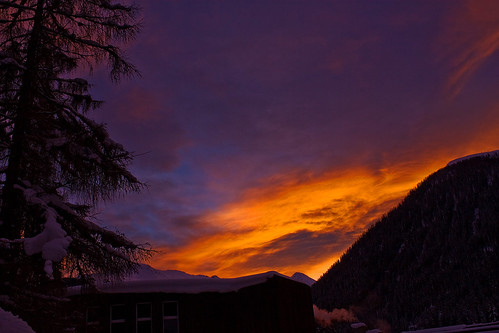 orange colour sunrise dawn switzerland purple skiresort davos colourfulsky aplusphoto colourfuldawn