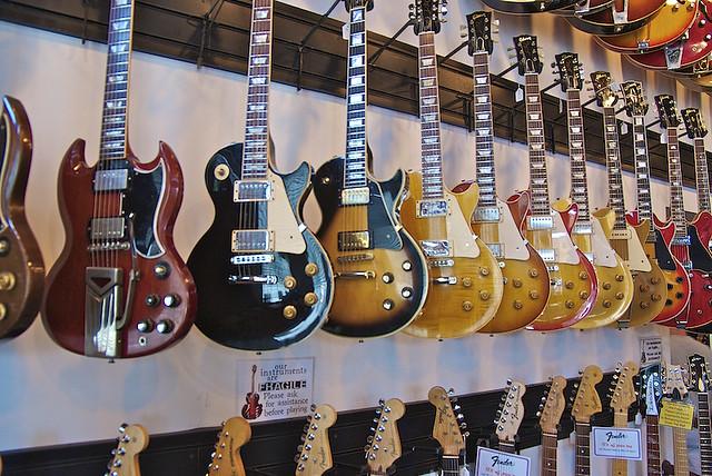nashville scene world 39 s largest guitar store larry fran flickr. Black Bedroom Furniture Sets. Home Design Ideas