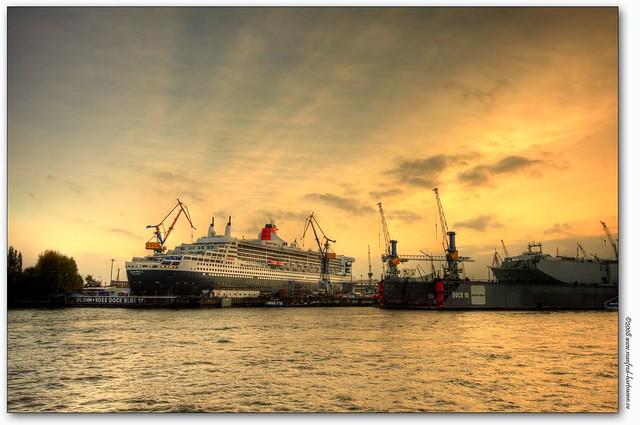 dock 17 / queen mary 2