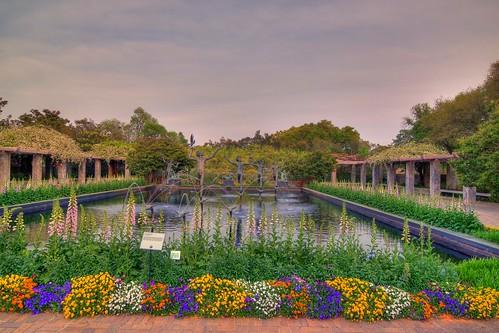 sculpture art sc water fountain gardens landscape tripod southcarolina hdr gitzo murrellsinlet brookgreengardens photomatix 5exposure arcatech tokinaatx116prodx gt2531