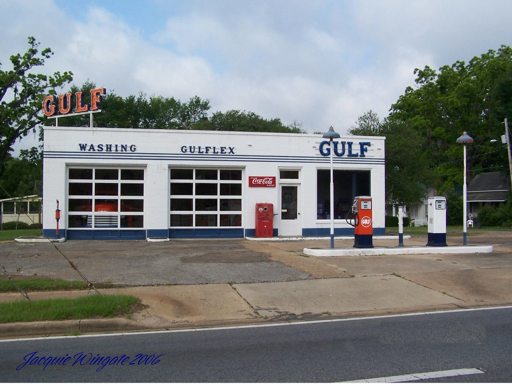 Vintage Gulf gas station | located in Quincy Florida on Hiwa… | Flickr