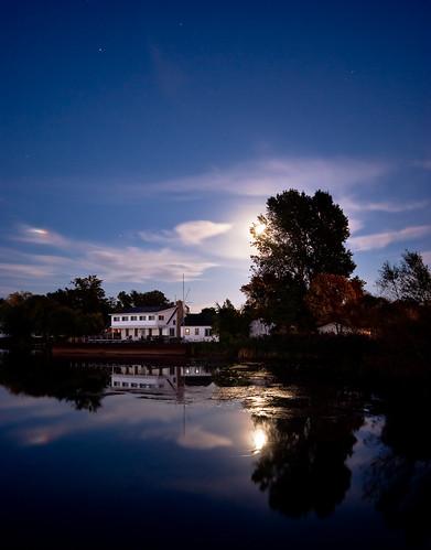 longexposure nightphotography moon ontario night fullmoon nightshots sigma1020mm rondeauprovincialpark southwestontario bobwest k10d rondeaubay