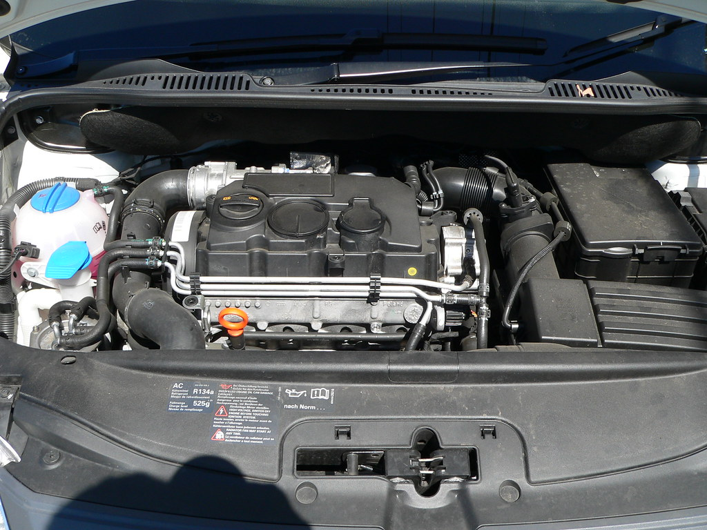 VW Caddy TDI Engine Bay | View on Black | Visual Clarity