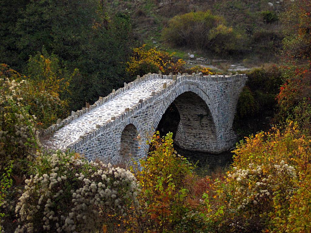 Stabekis bridge