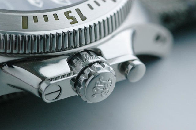 Ball Engineer Hydrocarbon - Crown Detail