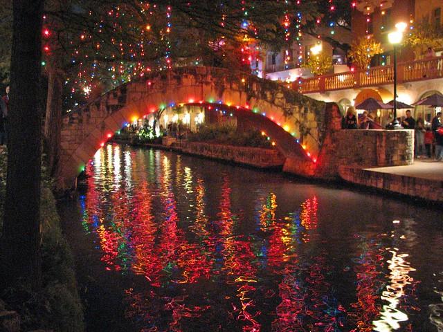 San Antonio Riverwalk During Christmas.San Antonio Riverwalk Christmas San Antonio Riverwalk At C