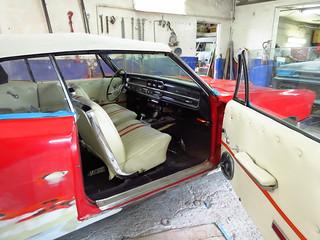 Intérieur/ vieux Pontiac 1965 rouge / Garage J.D.M.