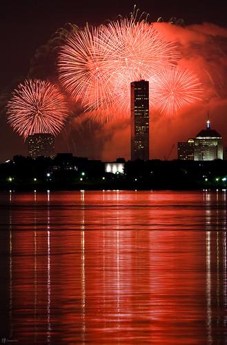 longexposure usa reflection boston skyline night america canon fireworks july4th independenceday massacusetts canon70200f28l canon70200mmf28isusm canondigitalrebelxti