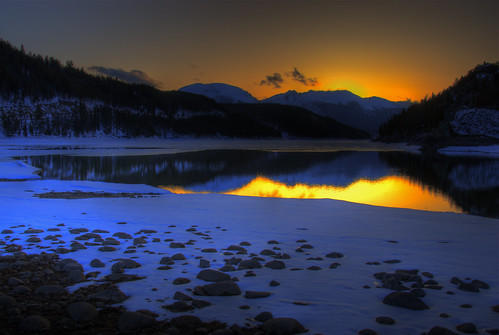 blue sunset orange sun sunlight white lake snow mountains reflection ice water yellow colorado rocks wikipedia rockymountains hdr lakedillon photomatix 200805