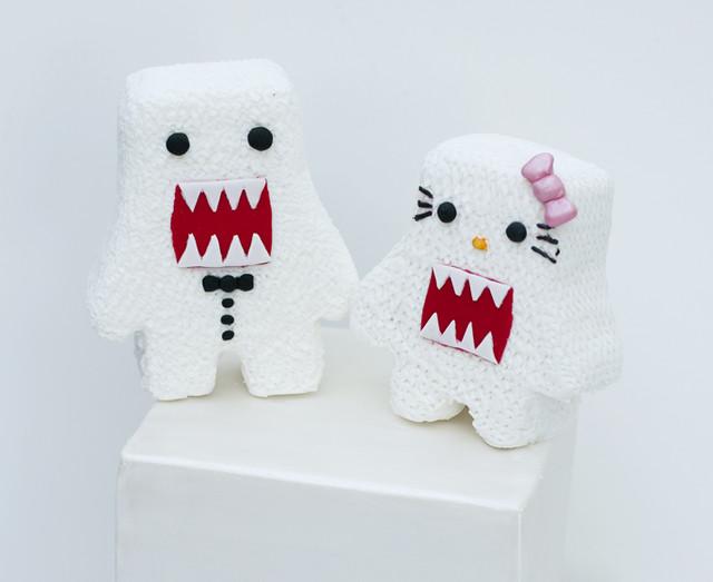 Domo-kun/Hello Kitty wedding cake