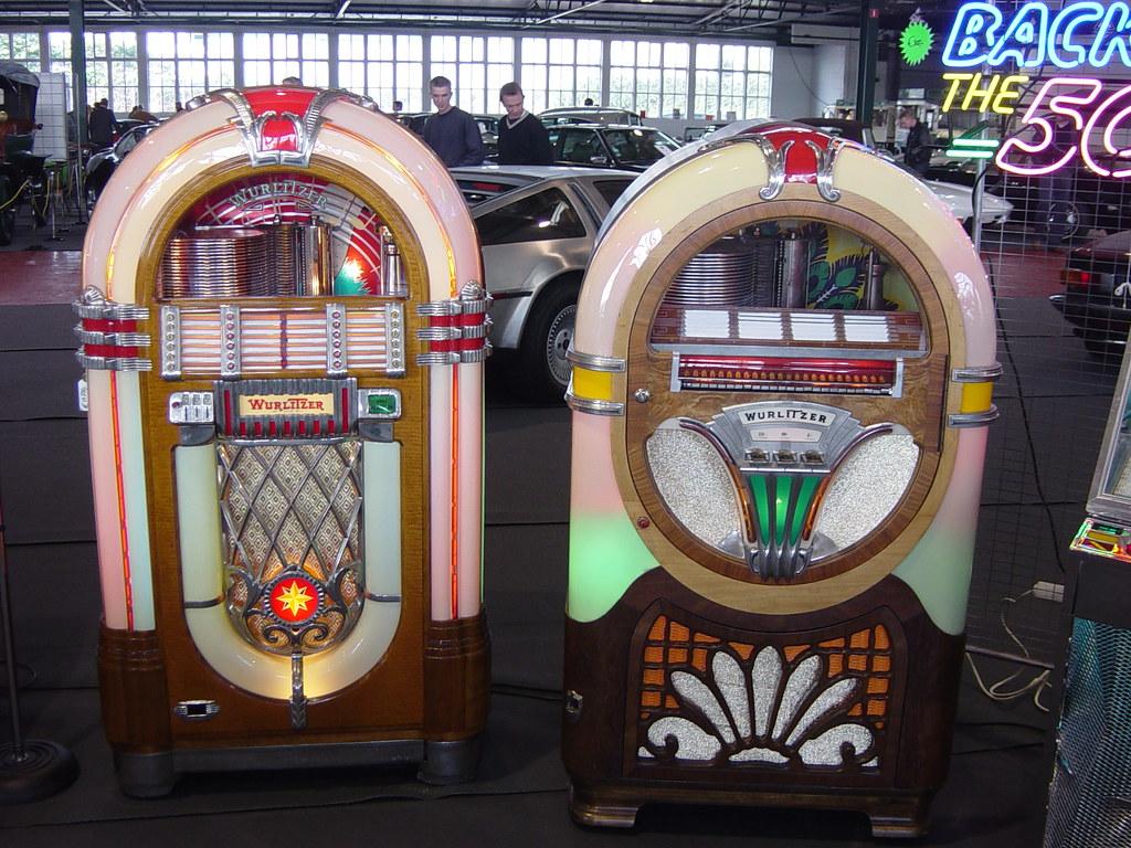 Wurlitzer twin jukebox (1015 & 750) | Two beautiful original