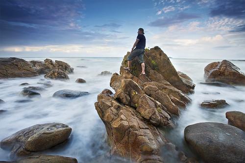 longexposure sea cloud mer selfportrait beach water landscape autoportrait stones bourda cayenne shore erick paysage guyane 973 frenchguiana canonef1740mmf4l guyanefrançaise 97300 loitiere erickloitière singhrayreversedgnd darylbensonfilters lee105mmpolarizer ricoliki