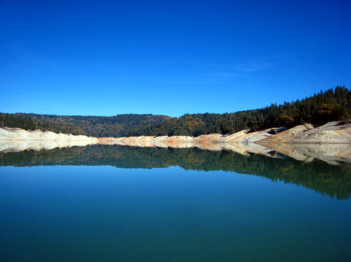 lake reflection kayak bluesky reservoir norcal paddling borrowed yubacounty bullardsbar