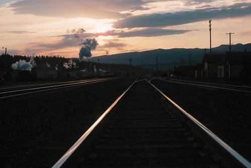 california railroad sunrise perspective tracks truckee