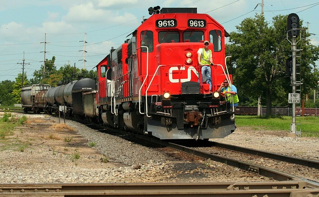 CN approaches WABIC junction, Decatur, IL