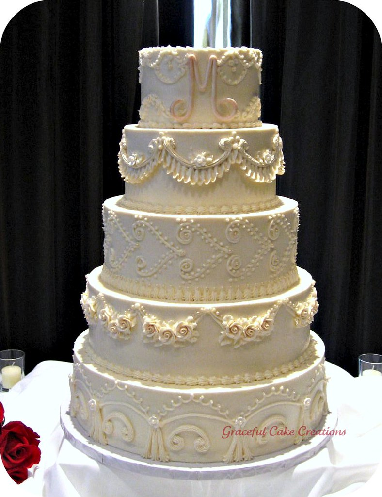 Elegant Vintage Ivory Wedding Cake