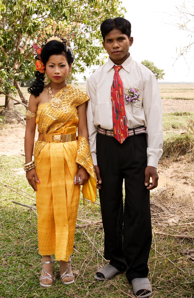 I married my cousin' | Young couple on their wedding day, S