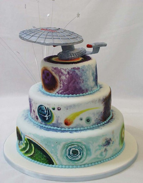 Starship enterprise wedding cake