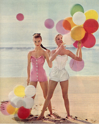 happy vintage balloon women | by PARTY PERFECT