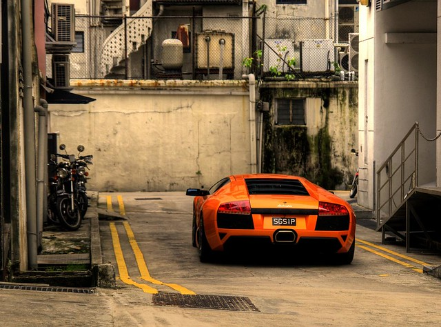 Lamborghini Murcielago Lp 640 In A Back Alley Lamborghini Flickr