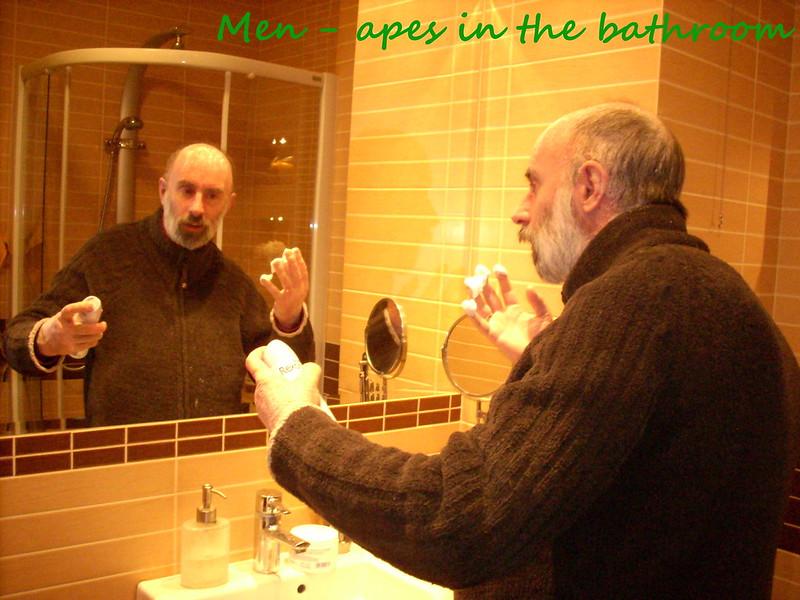 004 Men - Apes in the bathroom